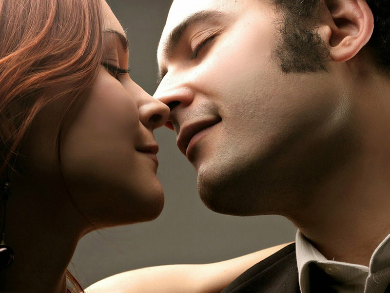 Kiss Images Photo Pictures Wallpapers Hd Techypassion