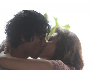 kissing couple images